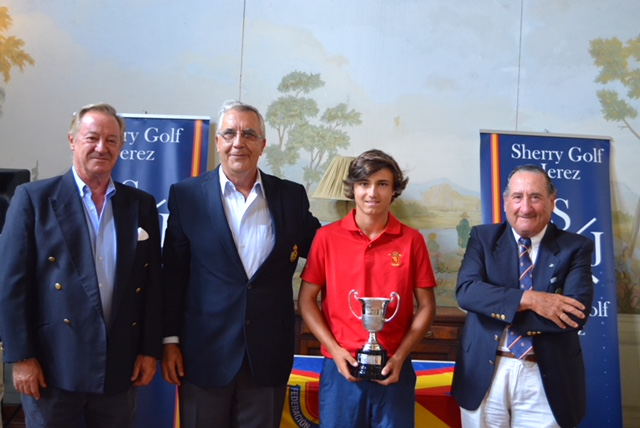 Álvaro Mueller-Baumgart conquers a new level: International Under 18 Spanish Championship